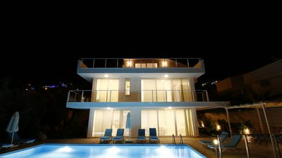 Photo for Lumiere Villas III Luxury 5 Bedroom Vacation Villa