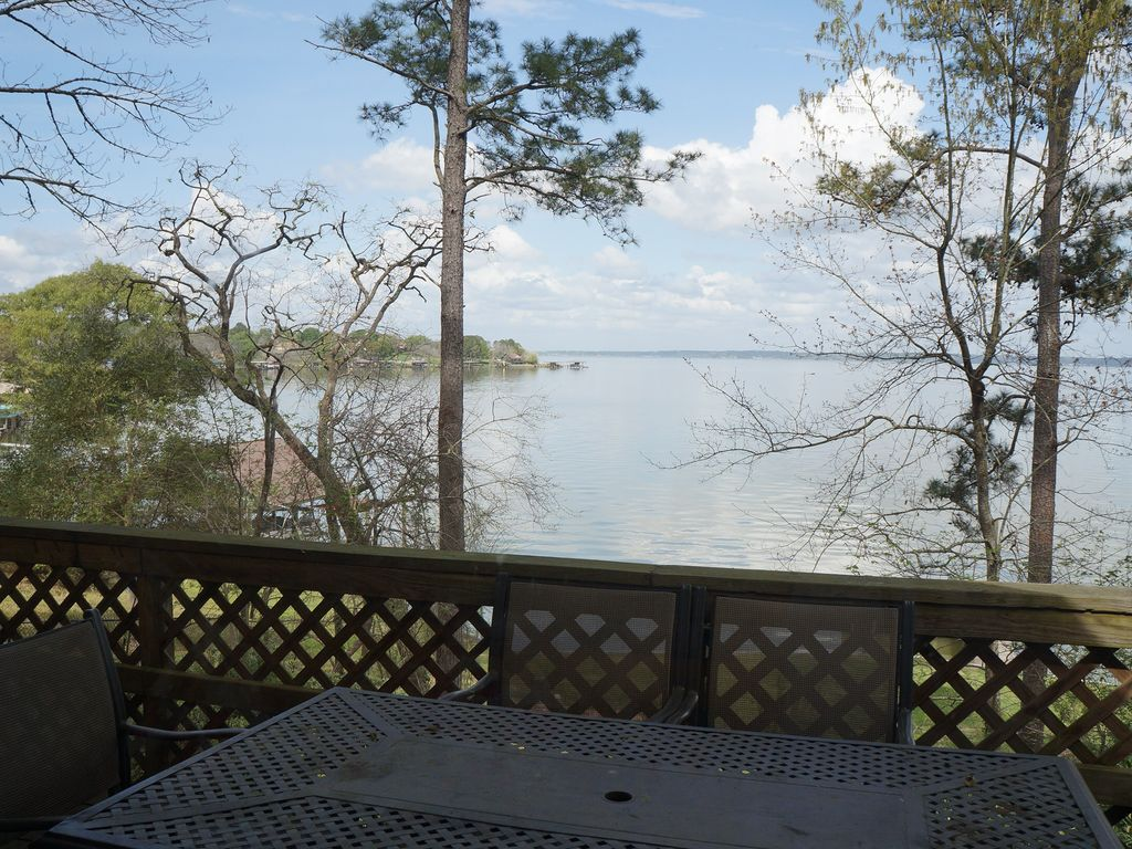 Superior Lake House Escape On Lake Livingston/ Lake Front Home/Water Front