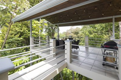 Observation Tower with dining for 6 and BBQ