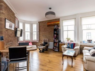 Photo for Central 2 Bedroom Apartment in Westminster