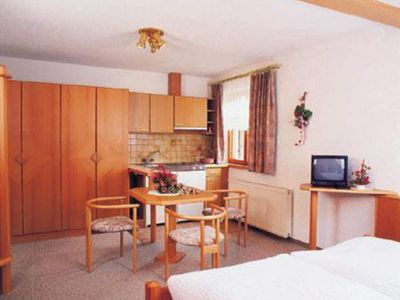 Photo for Apartment Wanneck - Guesthouse Fitsch