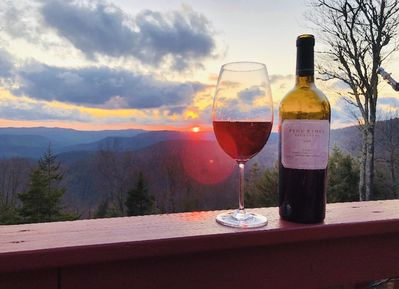 May 2020 sunset pic taken by a client of ours at the Polaris Pointe at Snowshoe.