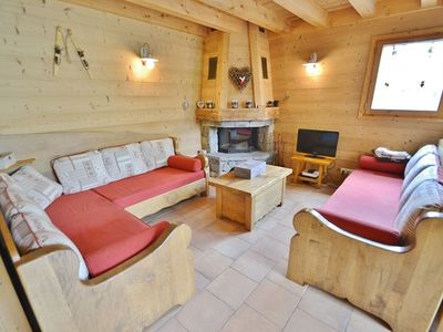 Photo for Beautiful Ski in ski out 95m² 4 bed apt, sleeps 8 free wifi  et  chimney!