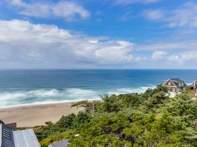 Photo for Upper-floor oceanview studio perfect for couples - dogs allowed!