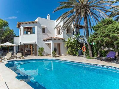 Photo for 5 bedroom Villa, sleeps 10 in Cala d'Or with Air Con and WiFi