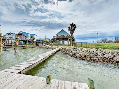 Photo for Spacious 3BR Galveston Bay House w/ Private Dock