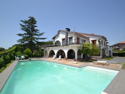 Photo for Villa with a pizza oven, a private swimming pool at 10km from the beach