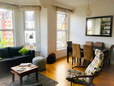 Photo for Bright apartment in leafy North London, sleeps 6