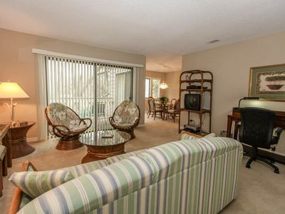 Photo for 2340 Racquet Club | Walk to Harbour Town Shops & Dining | DOG FRIENDLY | Complex Pool & Tennis
