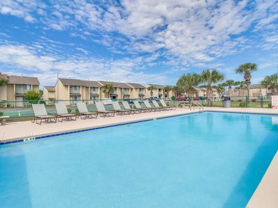 Photo for Beach resort townhouse w/ pools, beach access, mini-golf - snowbirds welcome!