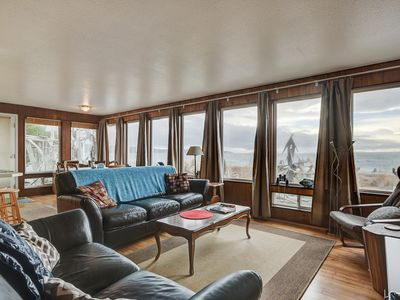 Photo for 2BR N. Puget Sound Gem in Coupeville with Private Beach & Immaculate Sunsets