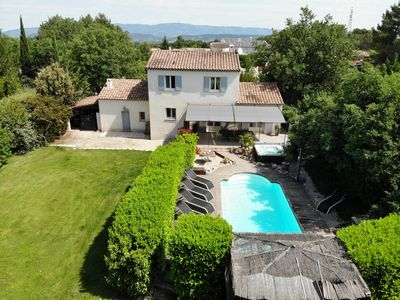 Photo for In the peace of the Aixoise countryside, Provencal house in Puy ste Reparade