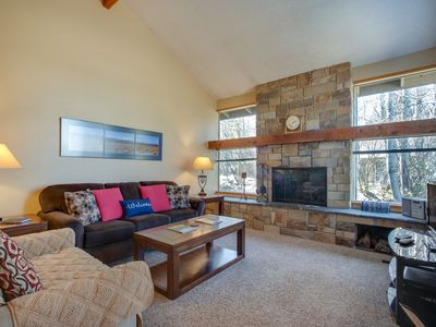 Photo for Mountain lodge with all the comforts of home, plus SHARC passes!