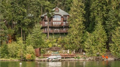 120` private waterfront, boat lift, 2 kayaks, beach, fire pit.