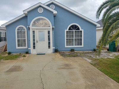 Photo for 3 bed 2 bath - only 1.3 miles to the beach in a gated community...............