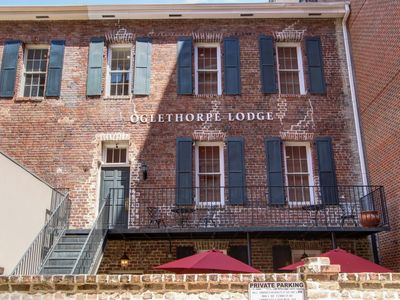 Photo for 1bd, 1.5ba Historic District and River Front-Walk to Everything!