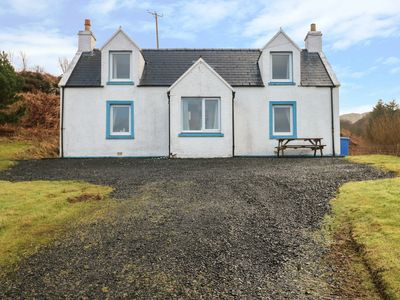Photo for BAYVIEW HOUSE, family friendly, with open fire in Carbost, Ref 18108