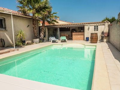 Photo for Fabulous Holiday Home with Swimming Pool in Narbonne