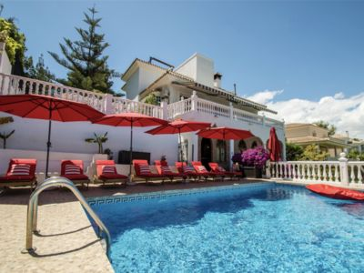 Photo for Charming villa next to all Puerto Banus has to offer