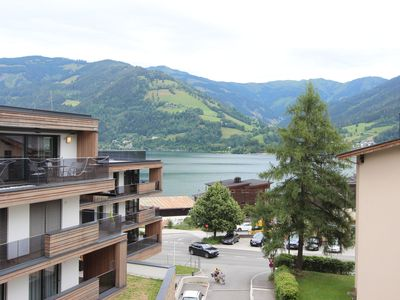 Photo for Attractive apartment near the town centre with a view of the lake