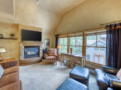 Photo for Elegant condo closest to Keystone's gondola w/shared pool, hot tub, and tennis!