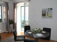 Lovely apartment with great view of the harbour.