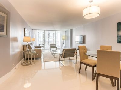 Downtown Miami 2242 | Premium 1BR Waterfront Condo | Free Valet Parking