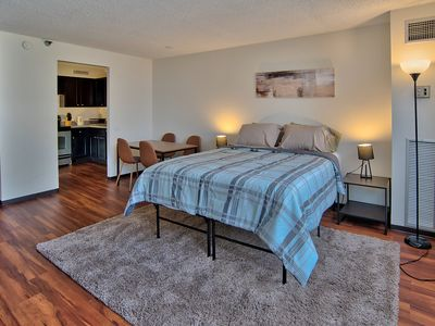 Photo for 2BDR High-Rise Near Skydeck & Loop + POCKET WI-FI