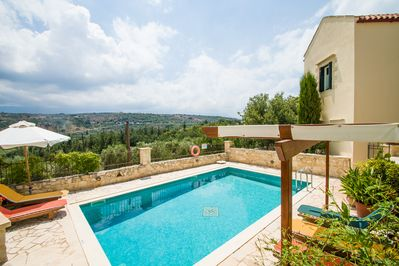 Helianthos villas , in Douliana near Tavern and mini market