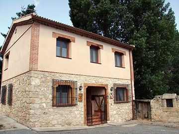 Self catering Majada de Sigueruelo for 8 people