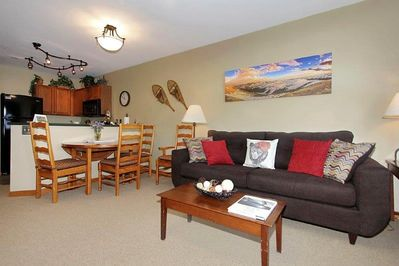 Take in the bright and inviting decor in Zephyr 1215