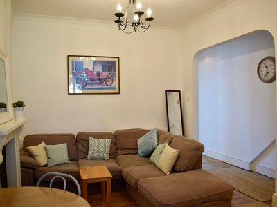 Photo for Stunning 1 Bedroom Apartment in South London