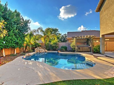 House w/Hot Tub & Fire Pit, Superstition Mtn Views