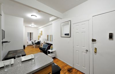 Monthly Stylish 1 Bedroom Apartment