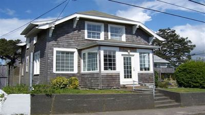 Photo for Spacious family & pet friendly house - 1/2 block to the beach - close to town