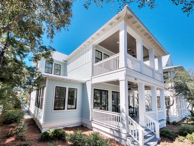 Photo for Designer 6 BR with 2 Masters + Carriage House | Steps to Frog Pool!