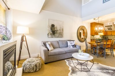 nicely decorated 2 level condo