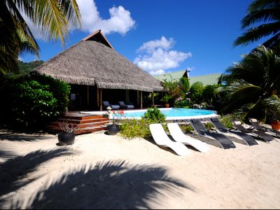 Pool&Beach Villa by ENJOY VILLAS MOOREA, white sandy Beach + infinity Pool