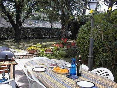 Photo for SPACIOUS GARDEN APARTMENT 3 MINUTES TO THE CENTRE OF TOWN