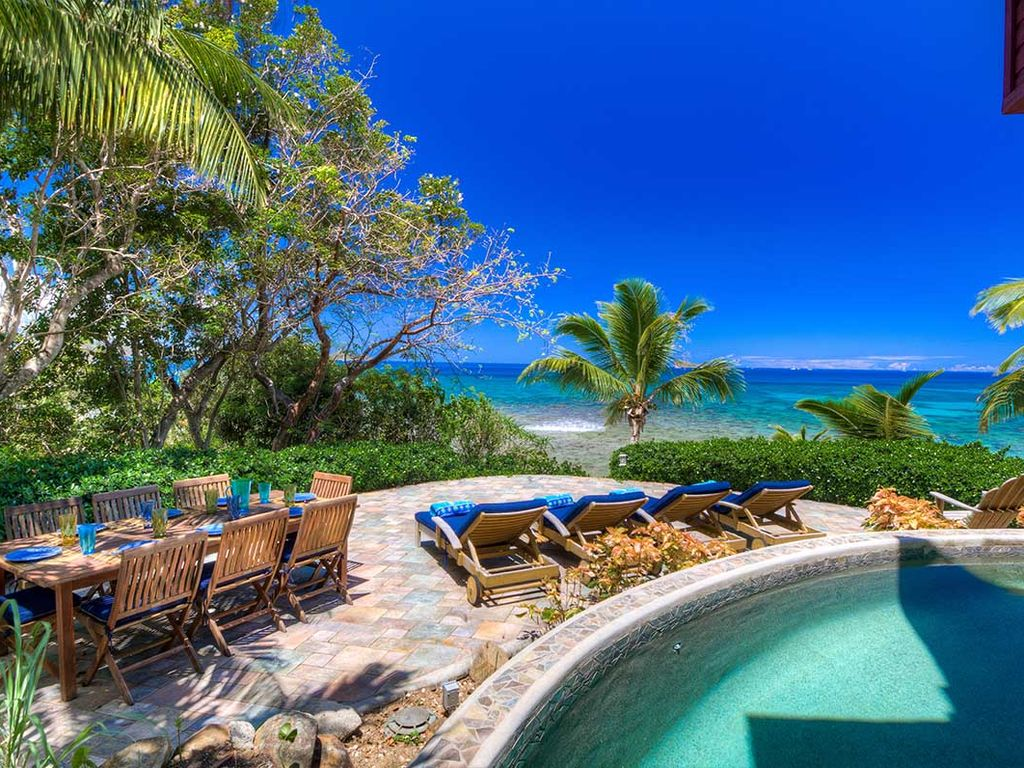 Beachfront Villa with Pool, Jetted tub, Kayaks and Daily ...