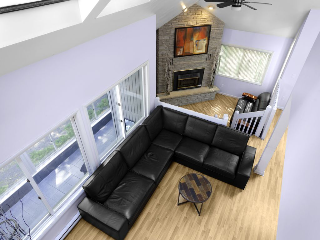 creek front modern house with volleyball homeaway bushkill
