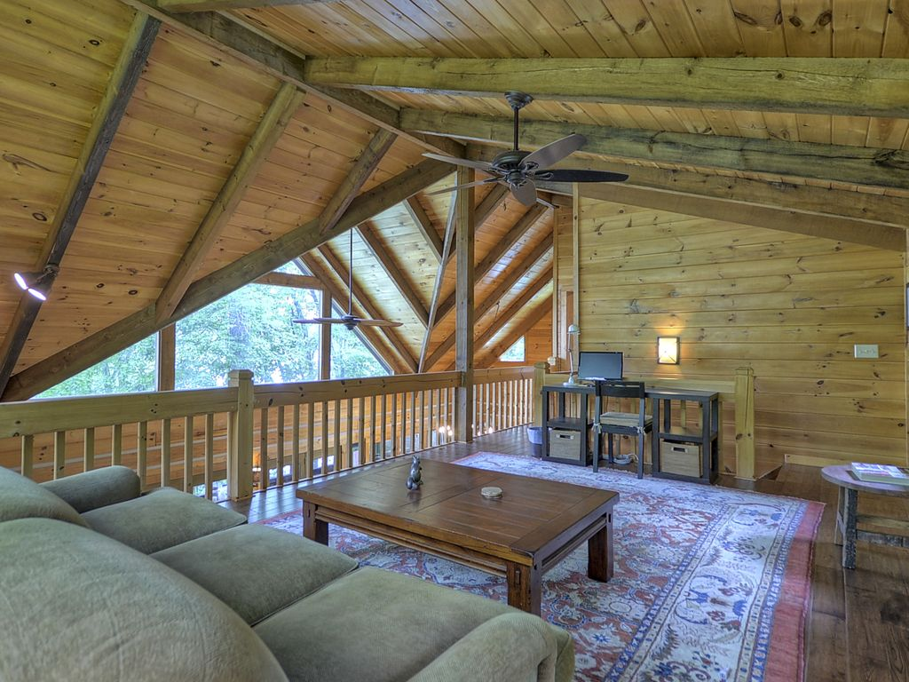 April Special Authentic Lakefront Cabin On Blue Ridge