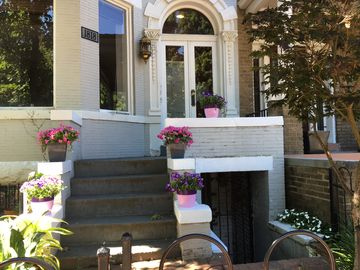 Historic 2 bedroom Dupont Circle Brownstone with Parking