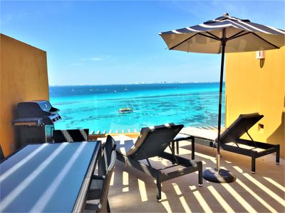 Photo for Unwind in luxury – penthouse overlooking Garrafon Reef Park