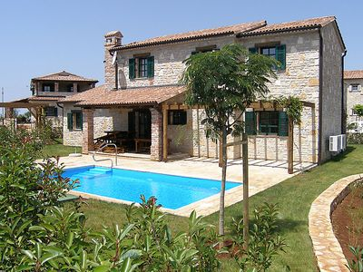 Photo for Vacation home Silene in Poreč/Barat - 8 persons, 4 bedrooms