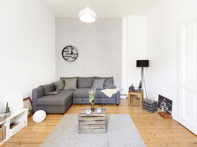 Photo for Old belly arms: Fully furnished 2.5 room apartment in Trendviertel