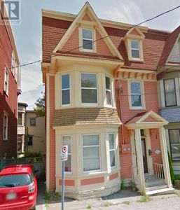 Photo for Stunning 2B heritage townhouse on Jellybean row