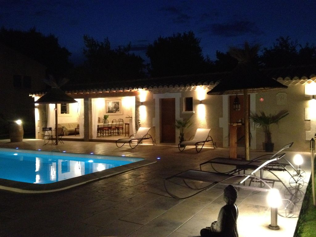 Mas proven al luxe poolhouse paradisiaque piscine for La piscine pool bar restaurant
