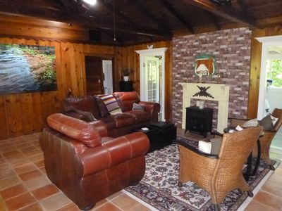 Photo for Charismatic cabin within walking distance of Mother's Beach, Russian River