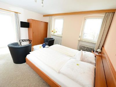 Photo for Double room, shower, toilet, balcony - Gasthof - Pension Wiesengrund